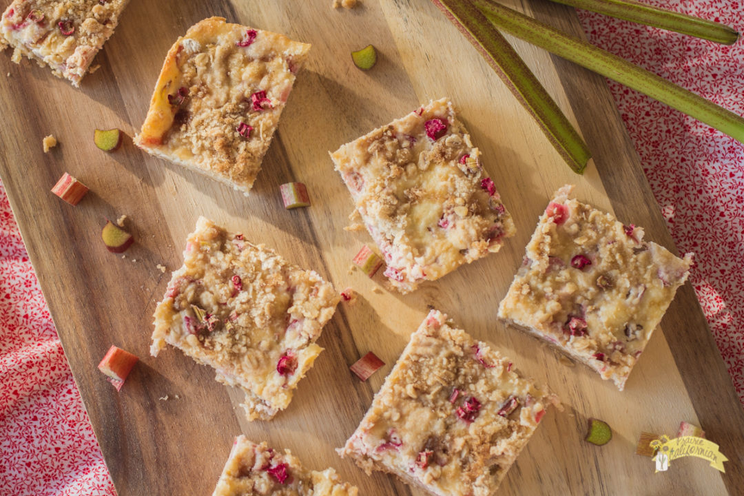 Rhubarb Cheesecake Bars-1