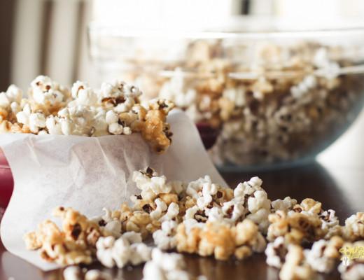 Caramel and Cheddar Popcorn-4